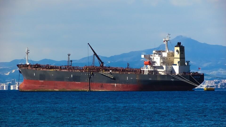 La industria del crudo de Japón se prepara para los altos costos de P&I en Oriente Medio