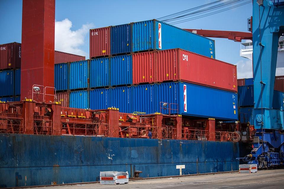 Exportaciones peruanas cayeron 8% entre enero y mayo, según CCL