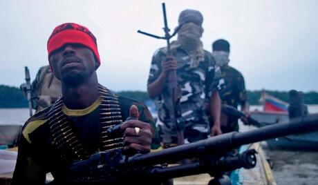Marinos turcos secuestrados por piratas armados en Nigeria