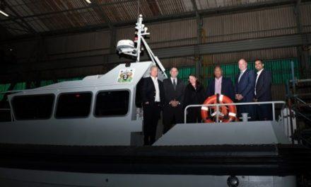 Australia: Anuncian capitanes para el nuevo buque de investigación antártico