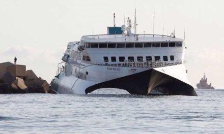 Cientos de personas evacuadas después de que ferry operado por Balearia encallara cerca del Puerto de Denia