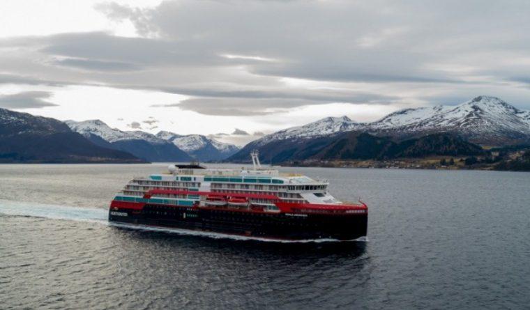 Hurtigruten actualizará tres barcos de expedición con paquetes de baterías