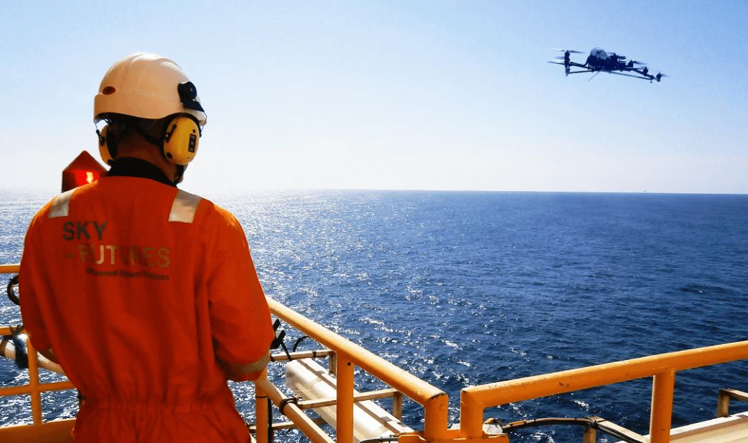 Reino Unido presenta los primeros estándares de capacitación para operadores de drones industriales