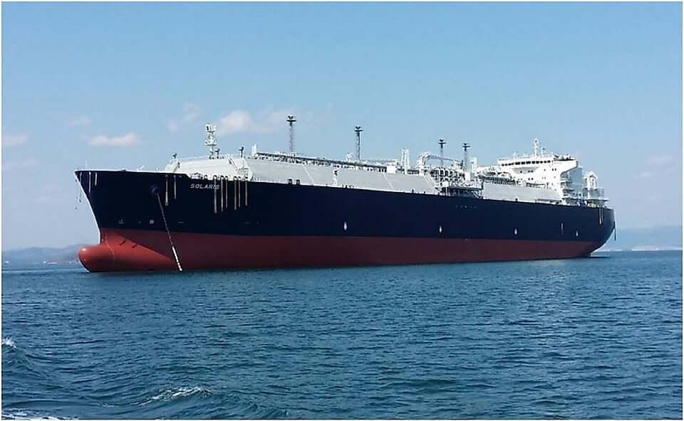 Shell no transporta petroleros con bandera británica a través de Hormuz