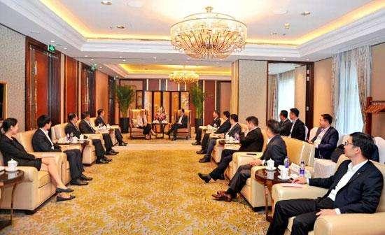 China Merchants firma un acuerdo de cooperación con ExxonMobil