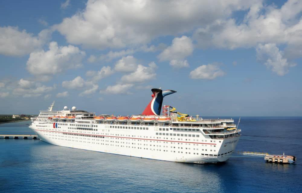 Crucero Carnival sufre daños durante el tránsito por el Canal de Panamá