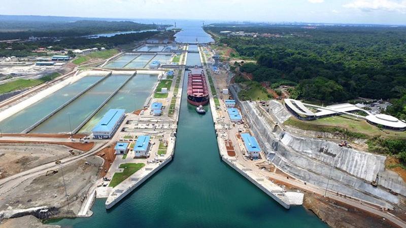 El Canal de Panamá y el Puerto de Rotterdam promoverán el comercio internacional