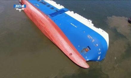 Estados Unidos: Fuga de aceite de un buque volcado cerca de Brunswick