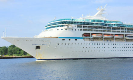 Miembro de la tripulación del  Vision of the Seas muere después de caer por la borda en Italia
