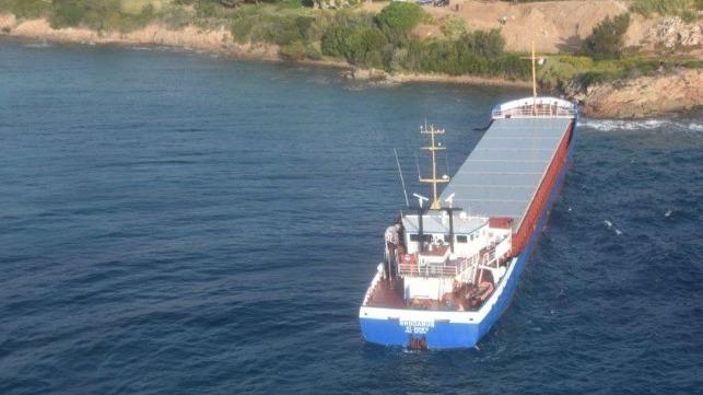 Buque Rhodanus fue Reflotado tras encallar en el Estrecho de Bonifacio