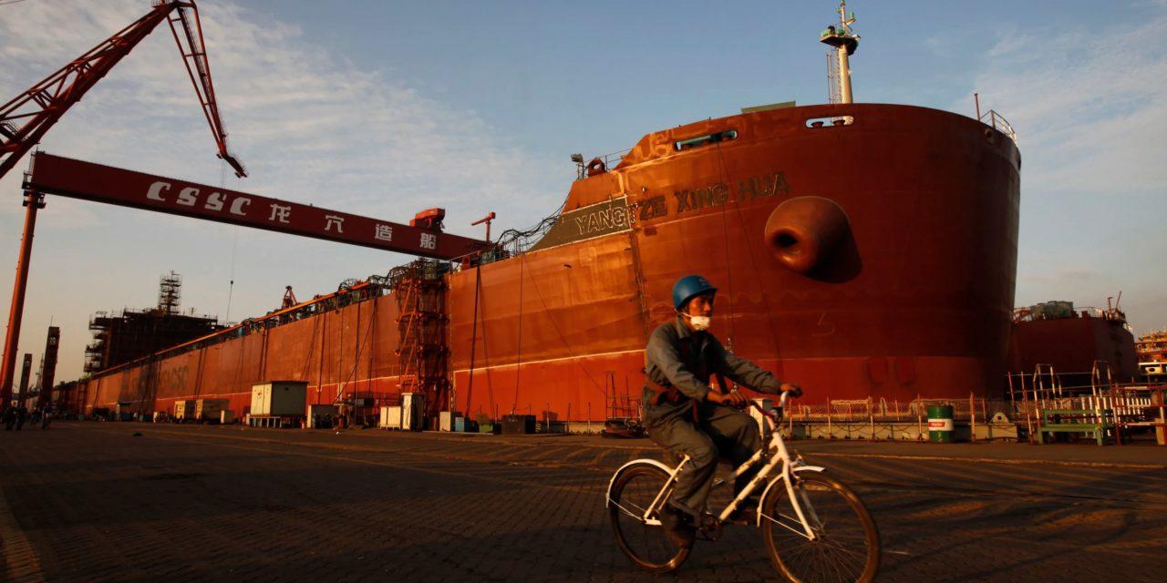 China da luz verde para fusión de las dos principales empresas de construcción naval del país