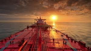 Compañías navieras multadas con 1,8 millones de USD por encubrir contaminación causada por buque