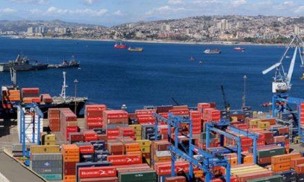 Los trabajadores portuarios chilenos vuelven a detener las operaciones