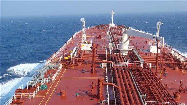 Miembro de la tripulación muere a bordo de un buque petrolero en las costas de Sudáfrica