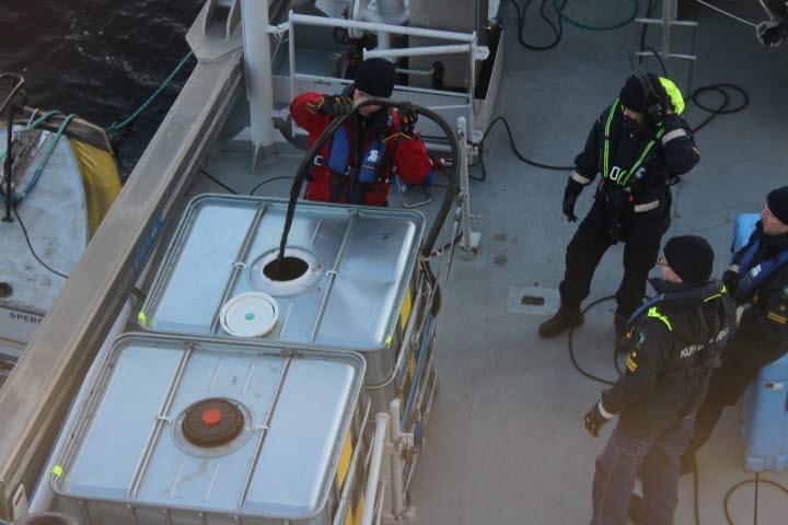 Suecia: se iniciará operación de recuperación de petróleo para RoRo con fugas