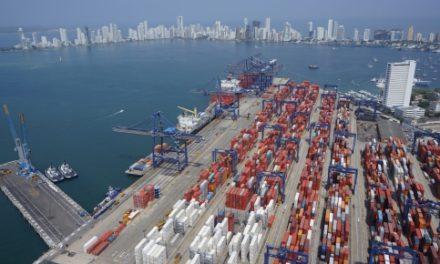 Exportaciones de Colombia siguen cuesta abajo en agosto