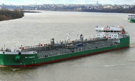 Dos muertos y un desaparecido tras la explosión de un petrolero ruso