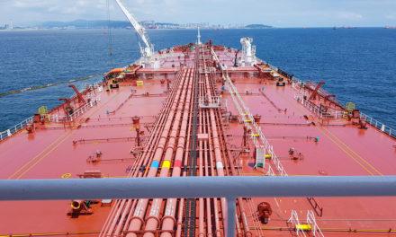 Frontline asegura 544 millones de dólares para diez petroleros de Trafigura