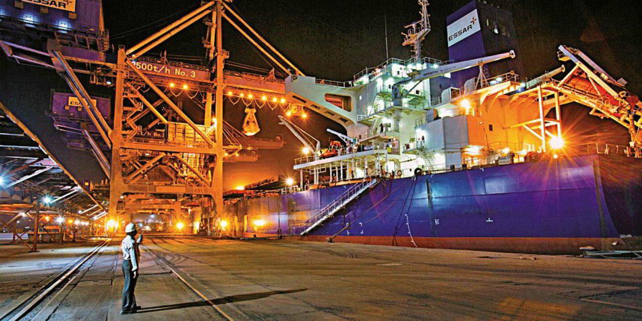 La terminal del puerto de Hazira en Essar está lista para operar