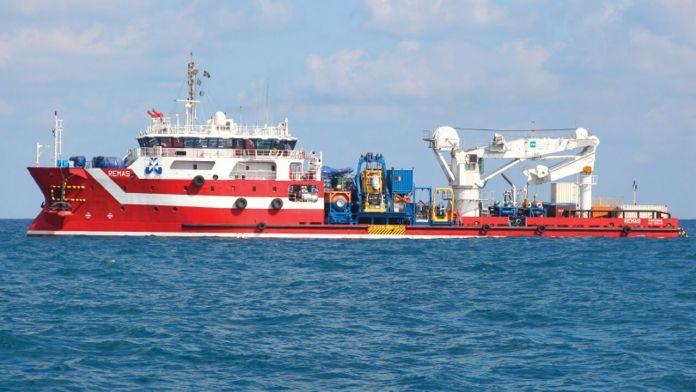Piratas atacan un barco con bandera italiana frente a México