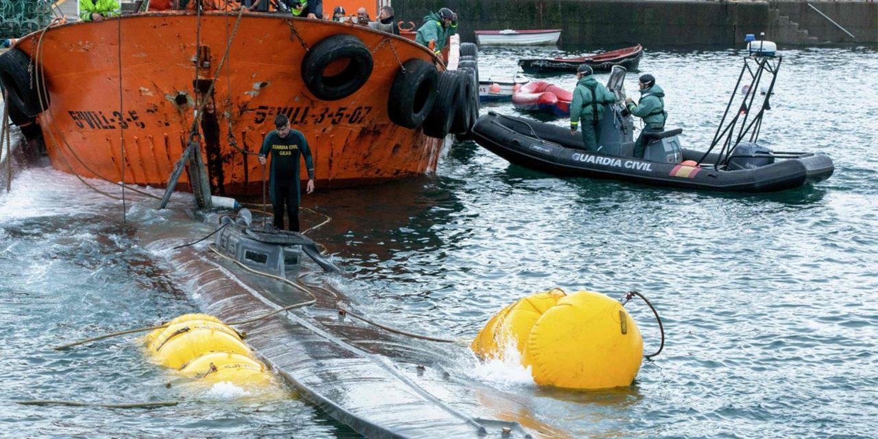 Submarino cruza el Atlántico con contrabando de droga: La policía española captura 121 millones de dólares de cocaína traída desde Colombia