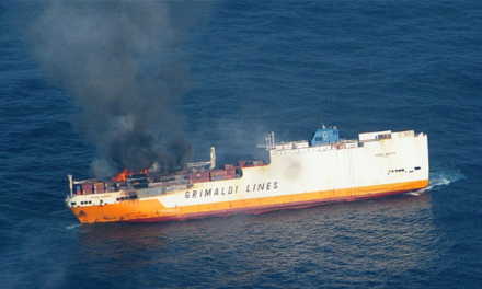 Un barco RoRo de Grimaldi se incendia en Italia