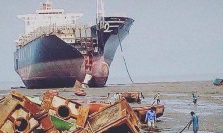 India: Las condiciones de trabajo en los astilleros de desguace de Alang son precarias
