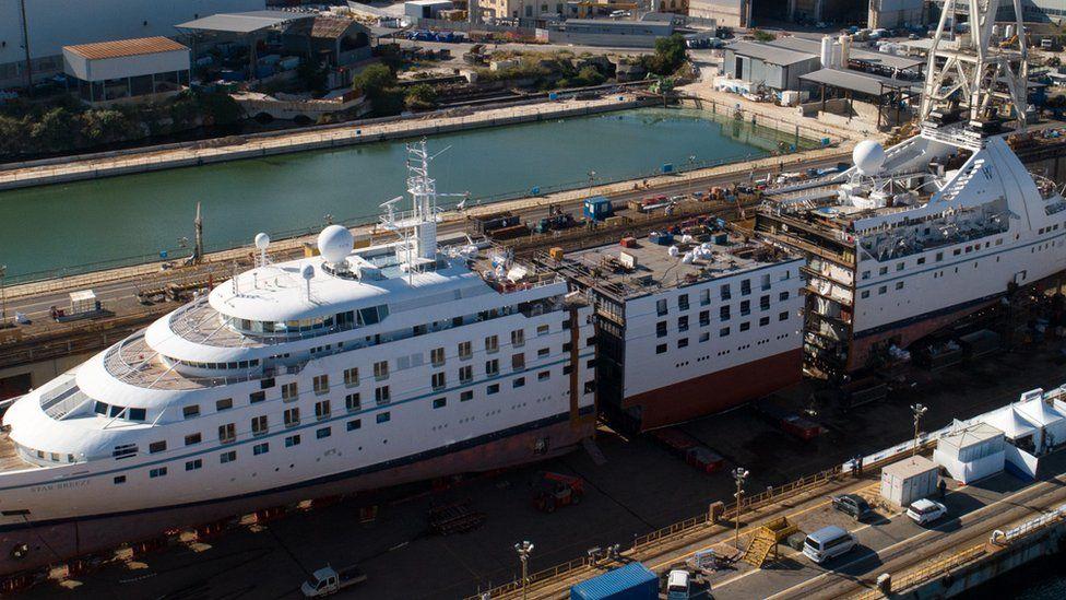 Partir los buques por la mitad es la nueva tendencia de las compañías de cruceros