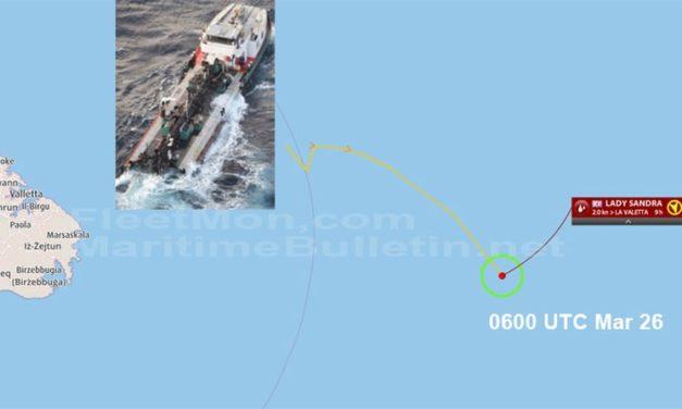 Buque tanquero se partió en dos y se esta hundiendo en el Mediterráneo