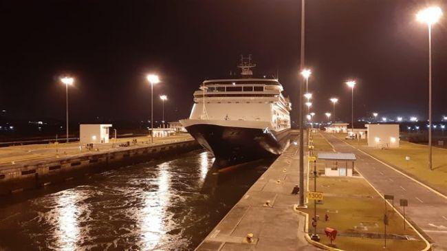 El Canal de Panamá respalda los esfuerzos para enviar pasajeros y tripulación del crucero de Holland America a sus casas