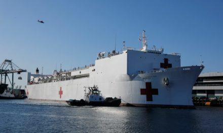 El buque hospital USNS Mercy arribó a Los Ángeles
