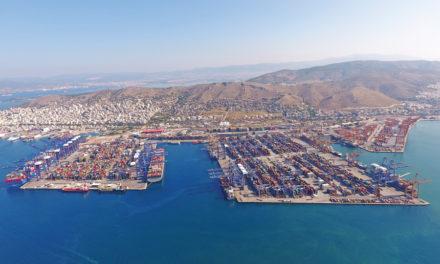 El puerto del Pireo sigue funcionando, no hay restricciones a las importaciones/exportaciones