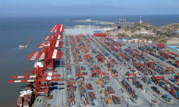 La asociación portuaria de China prevé que los volúmenes de contenedores disminuyan en el segundo trimestre