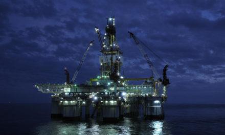 Rystad Energy: Se prevé que la demanda de petróleo baje 600.000 bpd