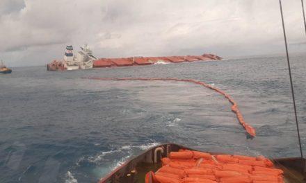 Se inició la remoción del fuel oil del Stellar Banner encallado en Brasil