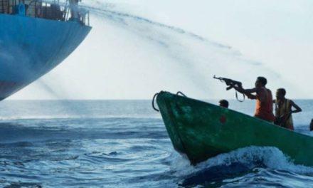 Un buque portacontenedores fue atacado, se entiende que se escapó