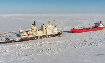 Buque tanquero deshabilitado fue remolcado por rompehielos nucleares en el Artico Ruso