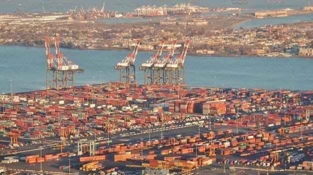 GCT Nueva York presenta una demanda contra la Maersk por cancelar un contrato de servicios