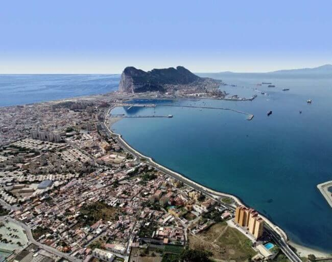 La Autoridad Portuaria de Gibraltar reduce las restricciones para facilitar el cambio de tripulación