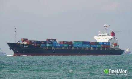 Otro extraño accidente sucedió con el capitán de un buque portacontenedores