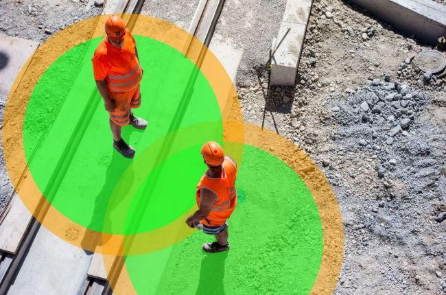 Puerto de Amberes prueba un brazalete inteligente para prevenir la infección del coronavirus en la planta de trabajo