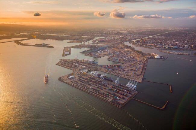 Puerto de Long Beach está abierto y en funcionamiento