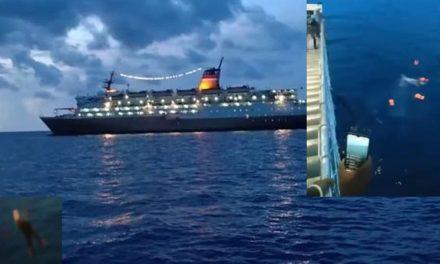 Se prohibió el atraque de un ferry y los pasajeros saltaron por la borda