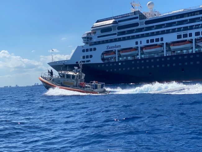 USCG supervisa el desembarco de 250.000 personas de los cruceros para reducir los riesgos