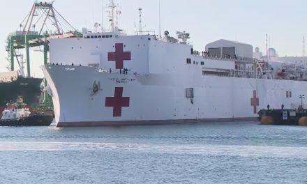 Barcos hospitalarios de la Marina que transportan prisioneros de guerra y salvan vidas ESTÁN en acción