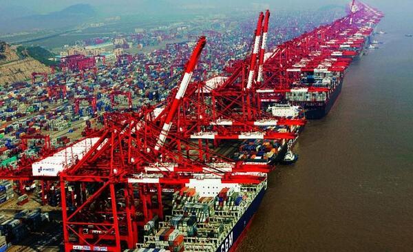 Dos funcionarios del Grupo Internacional de Puertos de Shanghai encarcelados por corrupción