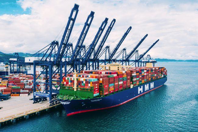 El actual buque portacontenedores más grande del mundo está en camino al Puerto de Rotterdam