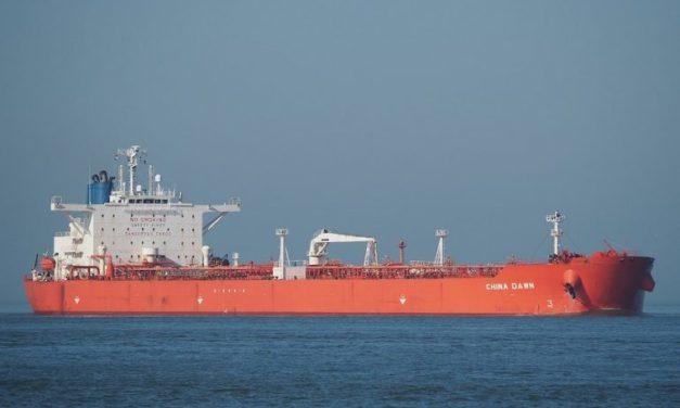 La tripulación del buque tanquero que se desvió de su ruta original se enfrentará a un mes de cuarentena antes de que puedan volver a casa