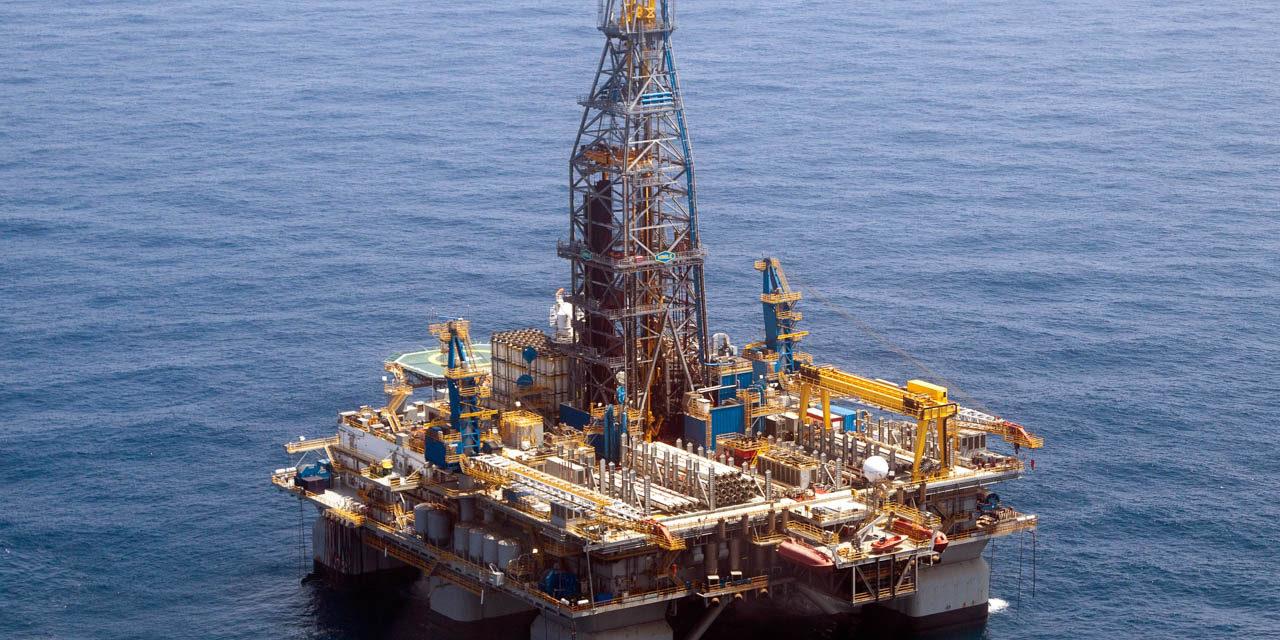Noble Corporation sufre la suspención de un contrato en Arabia Saudita y busca una reestructuración financiera