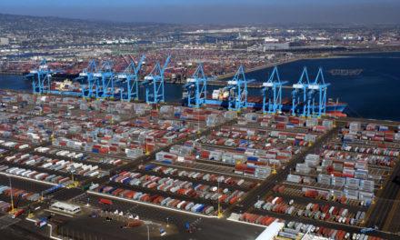 El comercio global de EE.UU. se desploma al nivel más bajo en casi una década